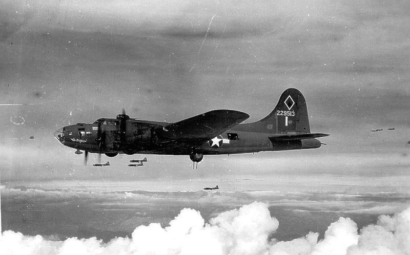 Boeing B-17F Flying Fortress, 99th Bombardment Group, 1943 (US Army Air Forces photo)