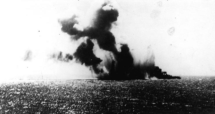 Japanese carrier Shoho under attack by US Navy TBD-1 torpedo bomber, 7 May 1942 (US National Archives)