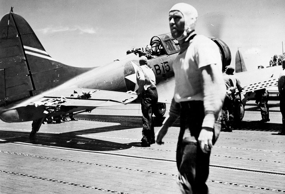 SBD from carrier USS Enterprise on the flight deck of carrier USS Yorktown due to fuel exhaustion, 4 Jun 1942 (US Naval History and Heritage Command)