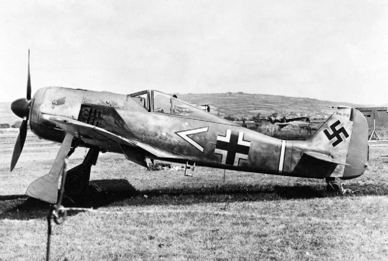 Focke-Wulf Fw 190A-3 at RAF Pembrey after German pilot Oberleutnant Armin Faber landed there by mistake, 23 Jun 1942 (Imperial War Museum)