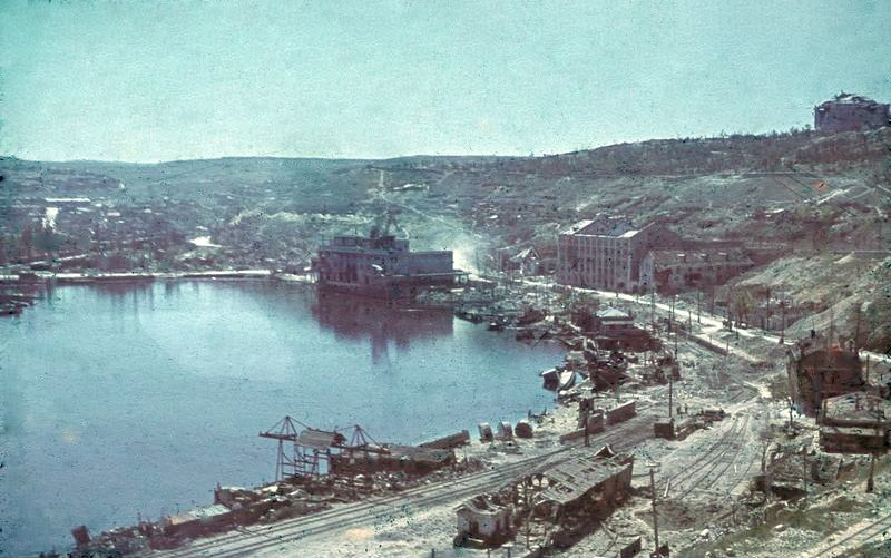 Destroyed harbor of Sevastopol after the battle, July 1942 (German Federal Archives: N 1603 Bild-121)