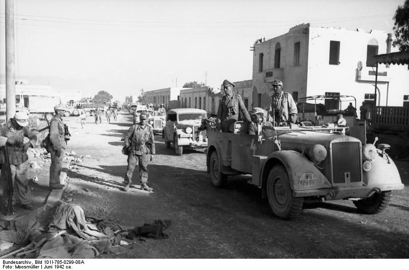 German generals Erwin Rommel and Fritz Bayerlein in Tobruk, Libya, late June 1942 (German Federal Archive: Bild 101I-785-0299-08A)