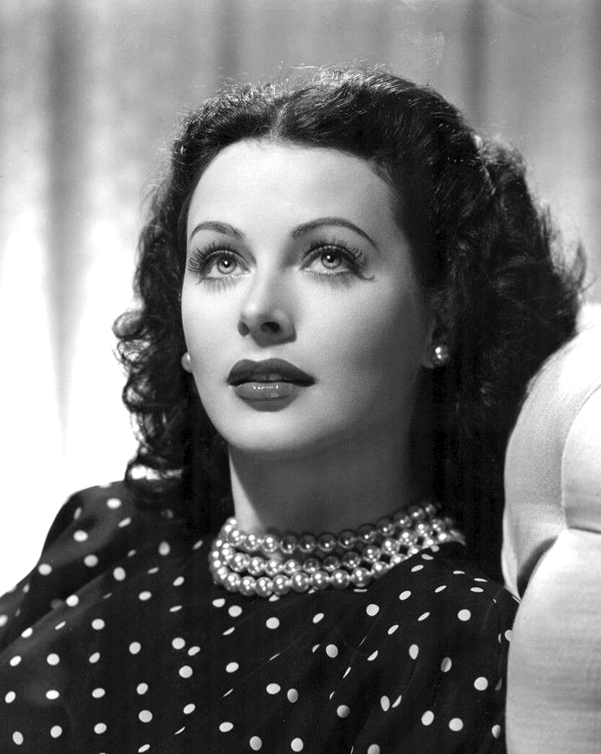 Hedy Lamarr publicity photo for the film The Heavenly Body, 1944 (public domain via Wikipedia)