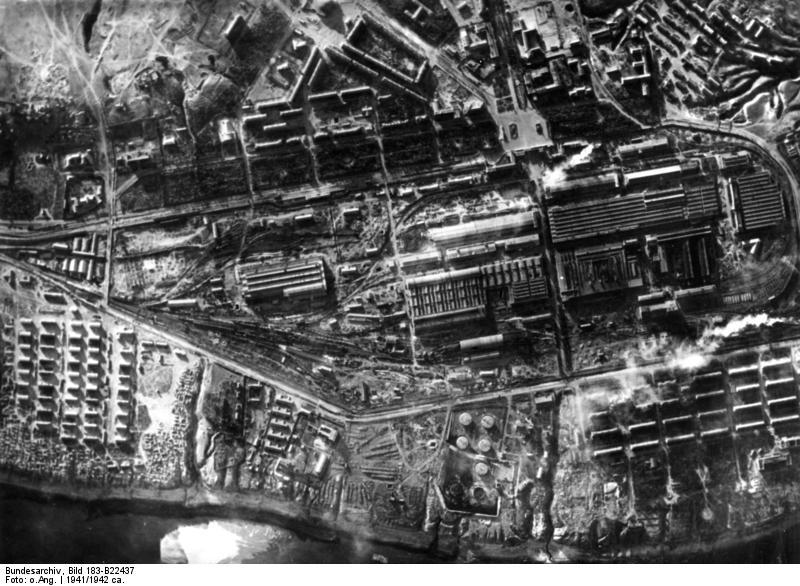 Stalingrad Tractor Factory after German capture, Stalingrad, Russia, 17 Oct 1942 (German Federal Archive: Bild 183-B22437)