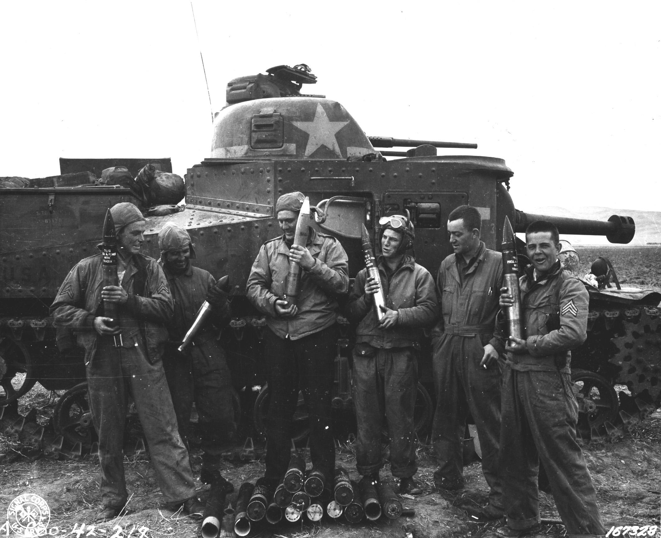 Crew of M3 Grant medium tank, US 13th Armored Regiment, Souk el Arba, Tunisia, 23 Nov 1942 (US Army Signal Corps photo)