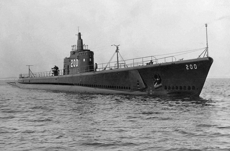 Submarine USS Thresher after launch, 1940 (US Navy photo)