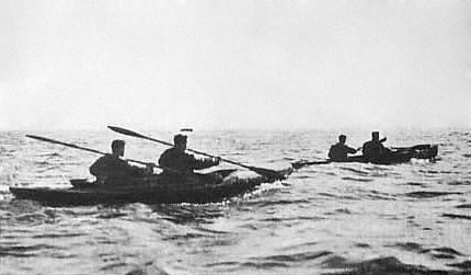 Commandos in canoes rowing toward Bordeaux, December 1942 (Royal Marines photo)