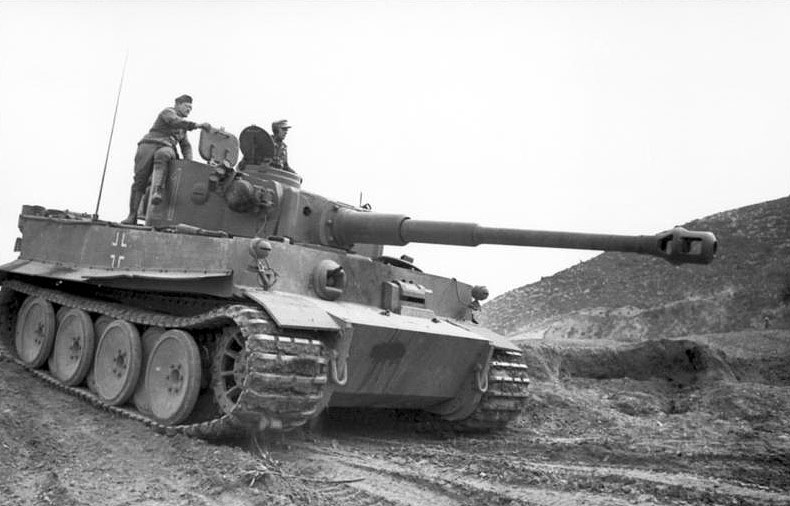 Panzer VI Tiger I in Tunisia, January 1943 (German Federal Archive: Bild 101I-554-0872-35)