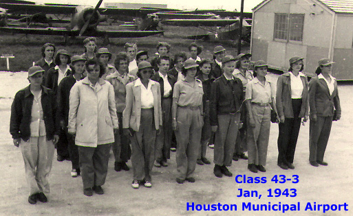 Women's Flying Training Detachment class 43-3, January 1943, Houston Municipal Airport, TX (Photo by Lois Hailey, public domain via Wikipedia)