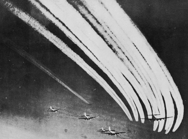 US Eighth Air Force B-17s leaving contrails, 1943 (US Army Air Force photo)