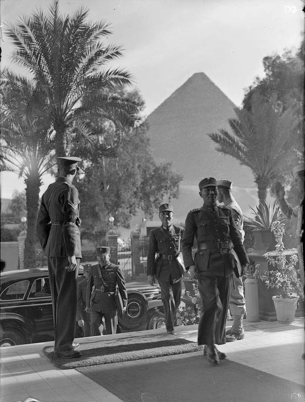 Chinese officers at the Mena House Hotel for the Sextant Conference, Cairo, Egypt, Nov 1943 (public domain via WW2 Database)