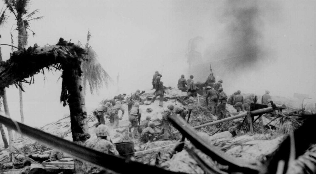 US Marines fighting on Betio, Tarawa Atoll, Nov 1943 (US National Archives)