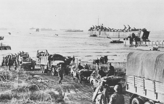 LSTs landing US troops at Anzio, 22 January 1944 (US Army Center of Military History)