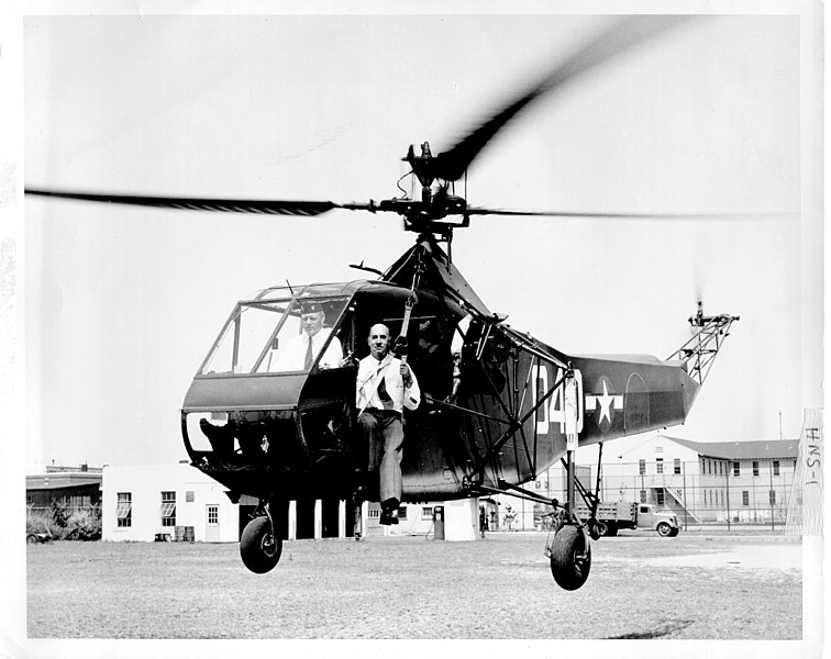 Cdr. Frank Erickson, USCG & Dr. Igor Sikorsky, Sikorsky Helicopter HNS-1 C.G. #39040, 14 August 1944 (US Coast Guard photo)