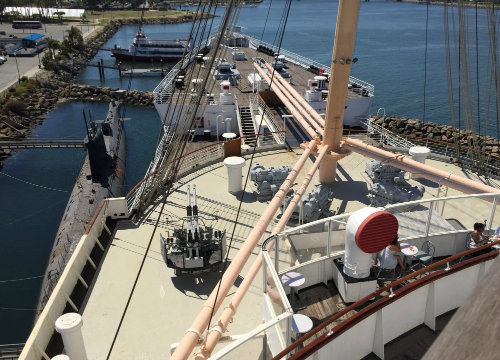Looking down on the bow of the Queen Mary and the WWII-era 40-mm Bofors antiaircraft gun. Long Beach, CA, June 2017 (Photo: Sarah Sundin)