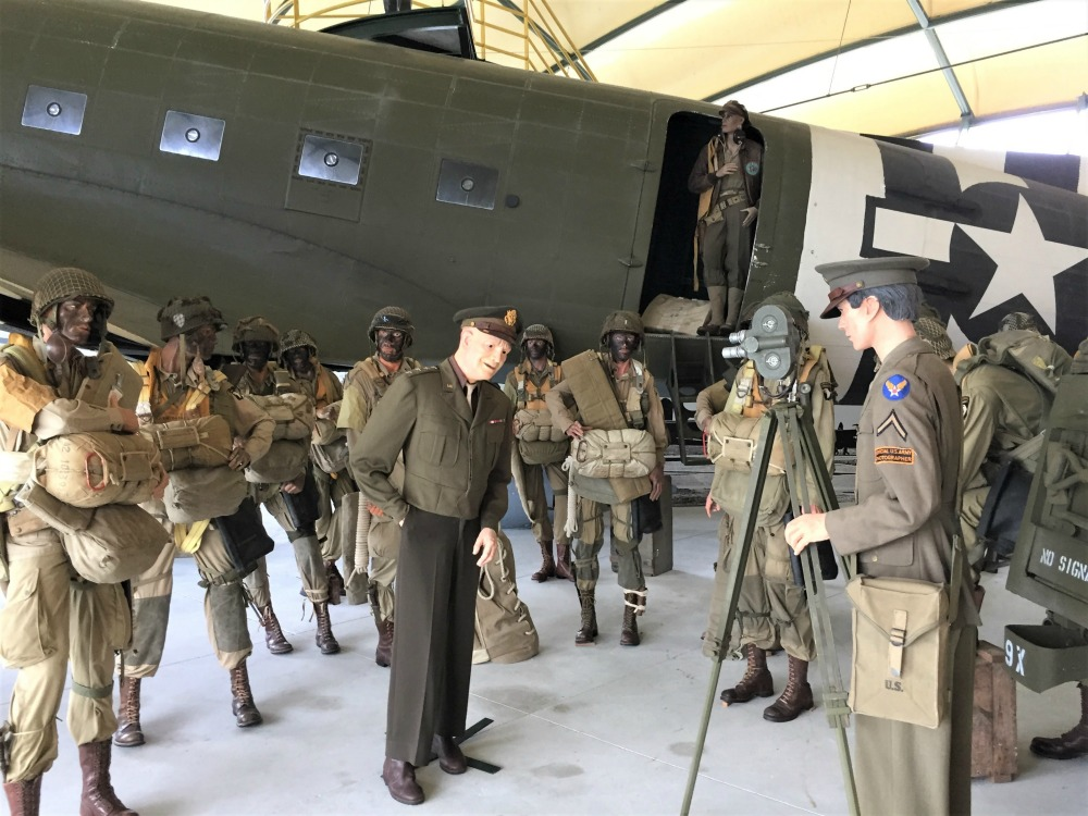 US C-47 Skytrain and representations of Gen. Dwight Eisenhower and US paratroopers at the Airborne Museum, Sainte-Mère-Église, France, September 2017 (Photo: Sarah Sundin)
