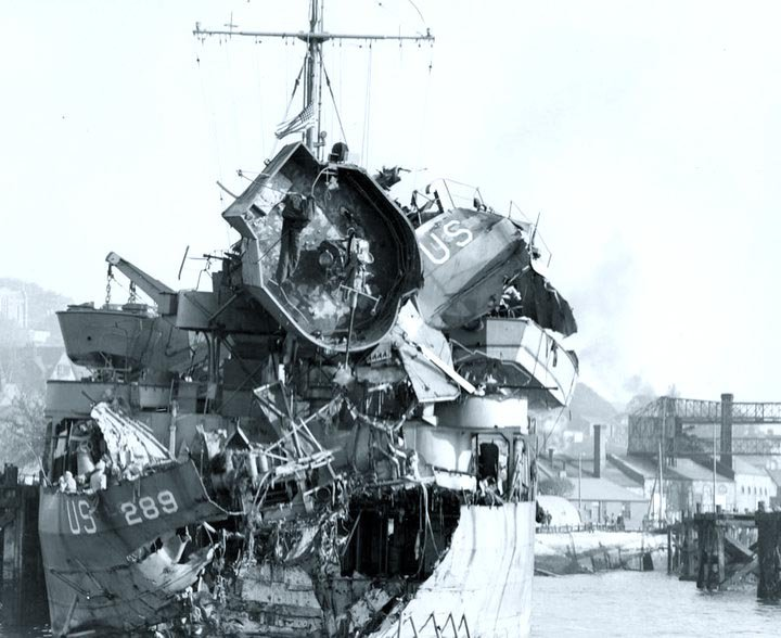 USS LST-289 after being damaged by German torpedo boats off Slapton Sands on 28 April 1944 (US National Archives, via US Naval History and Heritage Command)