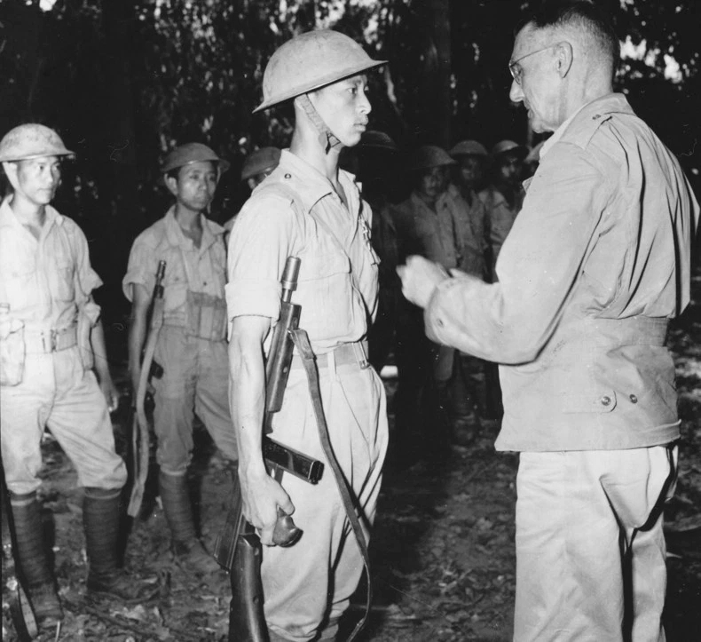 Lt. Gen. Joseph Stilwell awarding a Silver Star to a Chinese soldier near Laban, northern Burma, 28 April 1944 (US Army photo)
