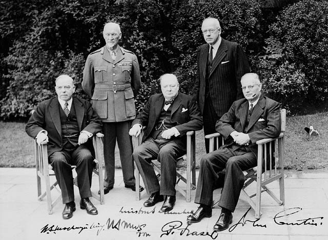 Mackenzie King, Jan Smuts, Winston Churchill, Peter Fraser, and John Curtin at the first Commonwealth Prime Ministers Conference, London, 1 May 1944 (Library and Archives Canada)