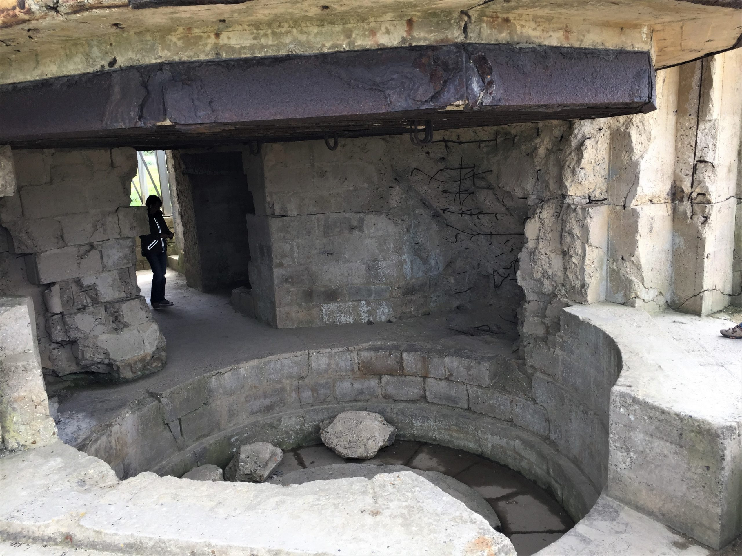 Inside a gun casemate at Pointe du Hoc (Photo: Sarah Sundin, September 2017)