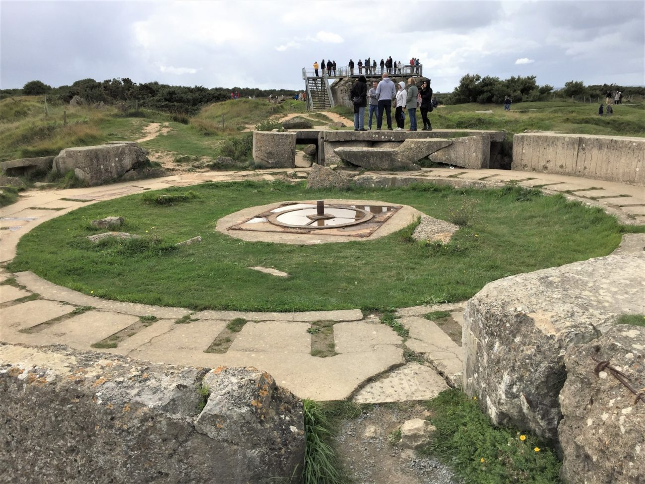 Open gun pit at Pointe du Hoc (Photo: Sarah Sundin, September 2017)