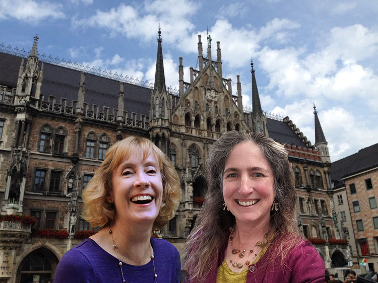 Neues Rathaus with travel buddy Andrea Balderrama (Photo courtesy of Rebecca Lare, June 2015)
