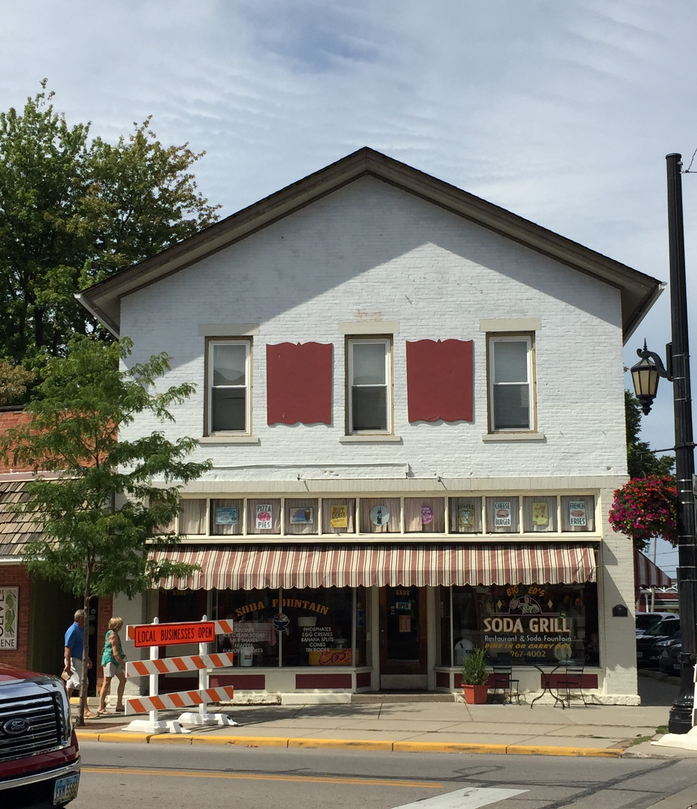 The former Hart's Drug Store, Vermilion, Ohio (Photo: Sarah Sundin, August 2016)